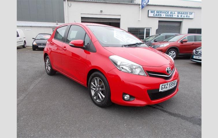 toyota yaris d4d icon plus red 2014 3135048 rh autovolo co uk toyota yaris 1.4 d4d service manual Toyota Yaris Manual