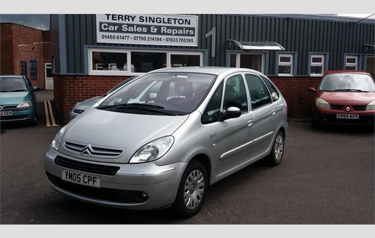 citroen xsara picasso desire 2 hdi silver 2005 3788676 rh autovolo co uk Citroen Xsara Picasso Problems Citroen Xsara Picasso Exclusive