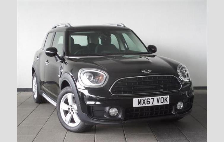 Mini Countryman 2017 2 0 L Sel Engine With Manual Transmission Hatchback In Black Colour