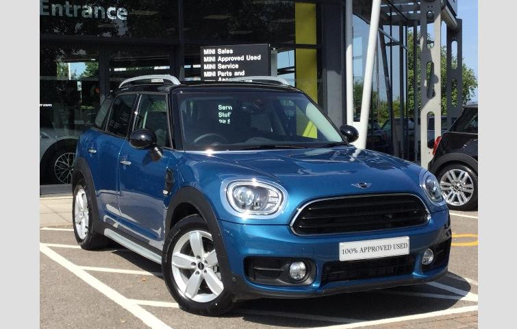 Mini Countryman 2018 1 5 L Petrol Engine With Manual Transmission Hatchback In Blue Colour