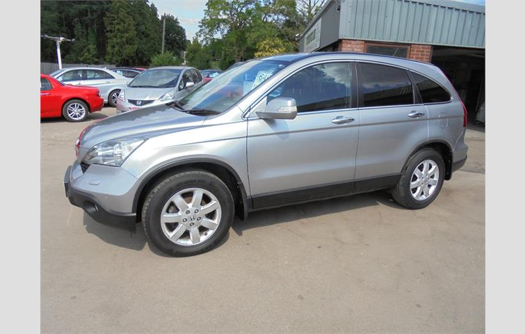 Honda Cr V 2008, 2.0 L Petrol Engine With Manual Transmission In Silver  Colour