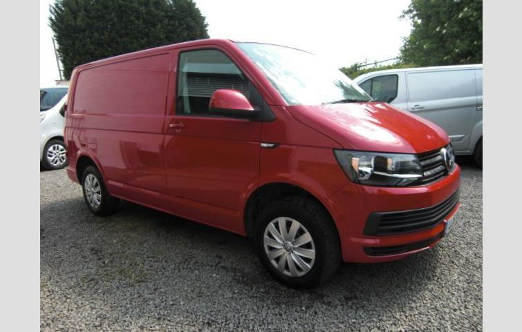 74bb33d522 VOLKSWAGEN TRANSPORTER 2.0TDI 102PS SWB 2016MY T28 Trendline Air Con BMT  Red 2016