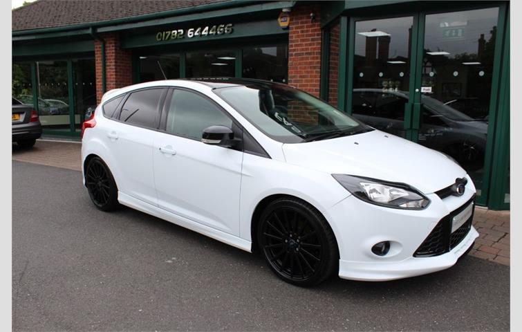 Ford Focus 1 6 Zetec S Ecoboost 5d 178 Bhp Huge Spec White 2012 Ref 6379021