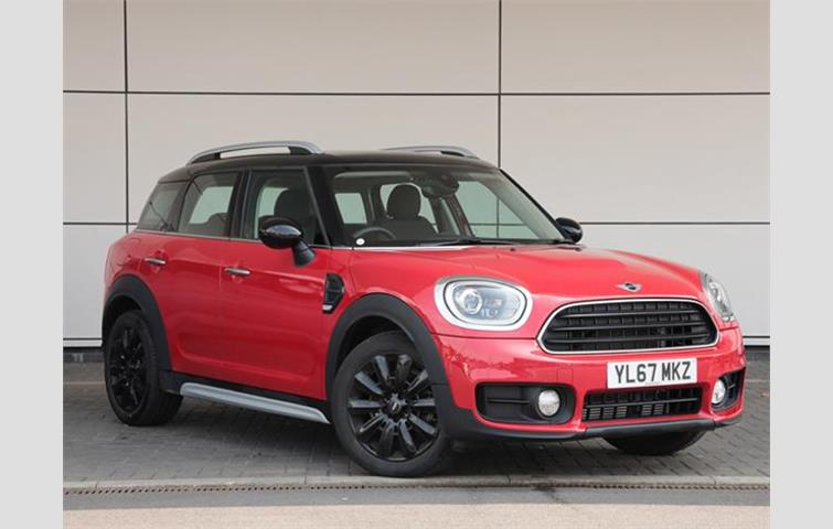 Mini Cooper Countryman Red 2018 Ref 6388163