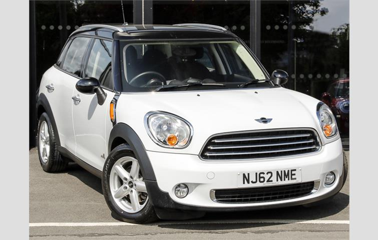 Mini Cooper 16 Cooper D All4 5dr White 2012 Ref 6650292