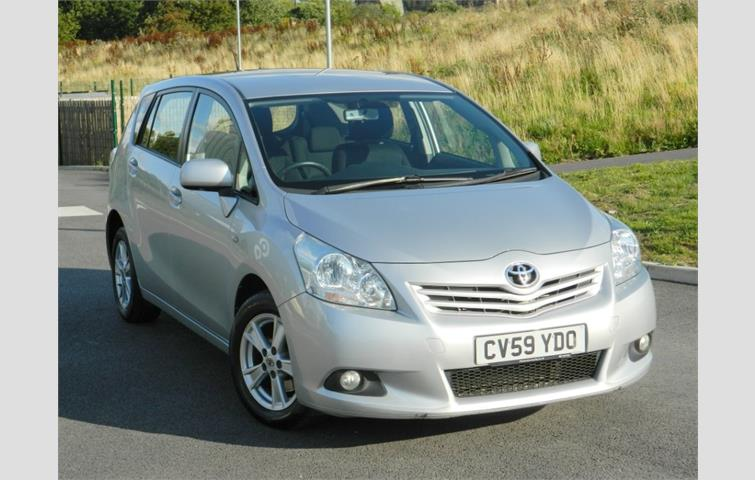 Toyota Verso 2 0 D4D TR 5dr 7 Seats Silver 2009   Ref: 6669466