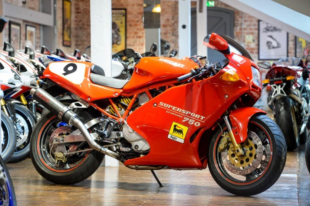 ducati 750 ss superb p ex too nice to trade red 1994 ref. Black Bedroom Furniture Sets. Home Design Ideas