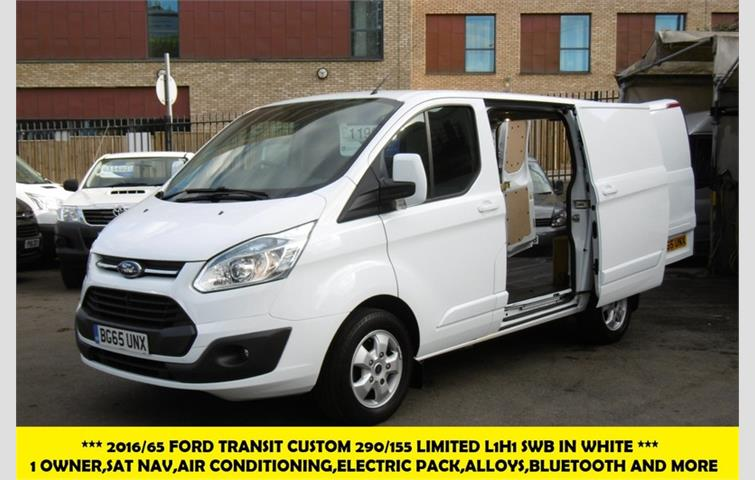 e3795d076ba5d1 FORD TRANSIT CUSTOM 290 155 LIMITED L1H1 SWB IN WHITE WITH ONLY 62.000  MILES