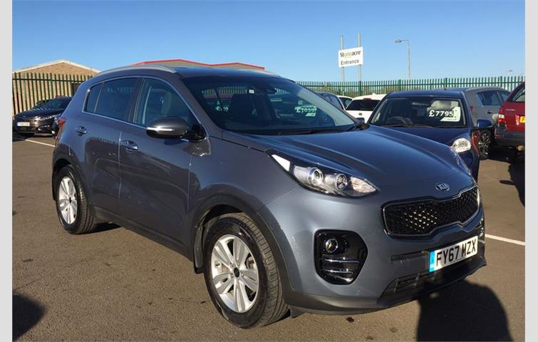 Kia Sportage 2017 1 7 L Engine With Manual Transmission Suv In Blue Colour