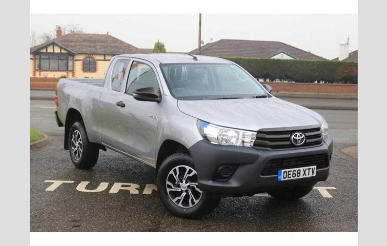 Toyota HiLux 2 4D4D Active 4WD 3 2t Extra Cab PickUp Silver 2018 | Ref:  7679826