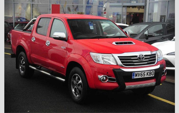 Toyota Hilux 3 0D4D Invincible X Double Cab Pickup Red 2015 | Ref: 7686298