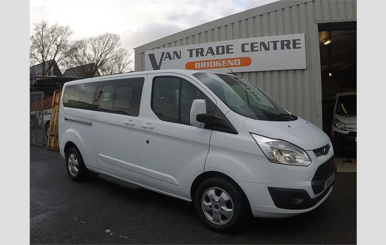 511ec0120c FORD TOURNEO 1.8 TDCI CONNECT LWB High Roof 5 Seater 90ps White 2010 ...