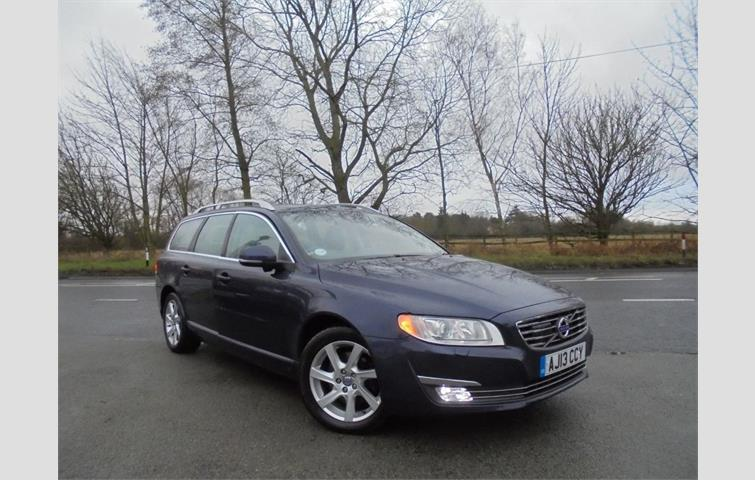 volvo v70 d3 150 bhp se lux dab radio cruise control power. Black Bedroom Furniture Sets. Home Design Ideas