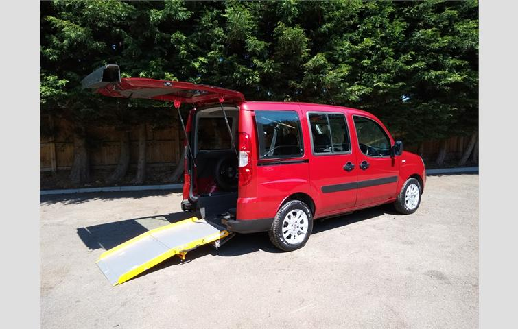 Fiat Doblo 19 Jtd Sx Panel Van 5dr Red 2002 Ref 7341642