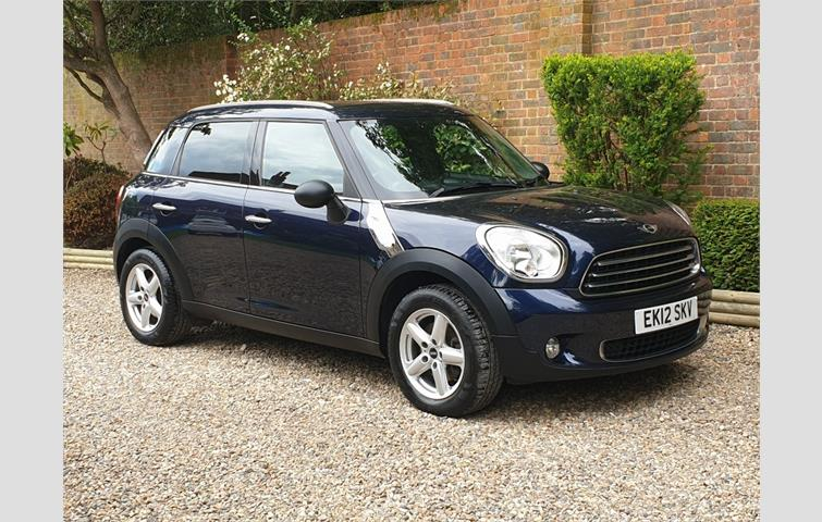 Mini Countryman Cooper S All4 Xenon Headlights Rear Parking Sensors