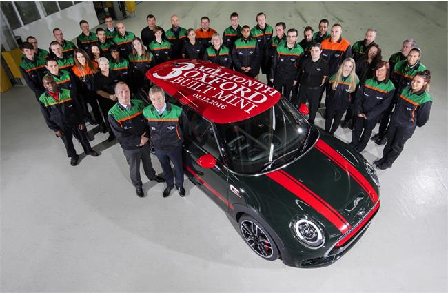 Three-millionth Mini rolls of Oxford production line
