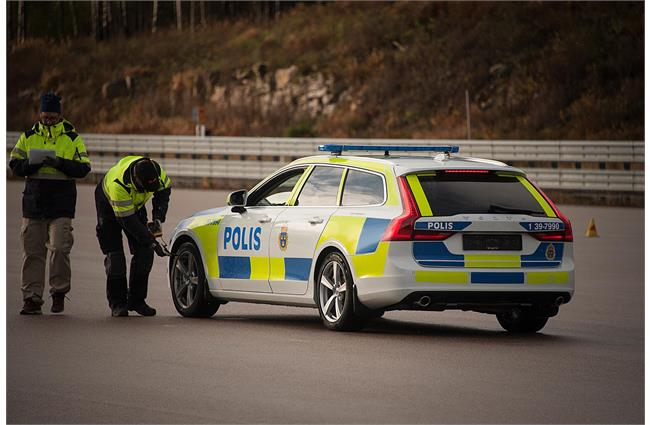 Swedish police take delivery of first Volvo V90